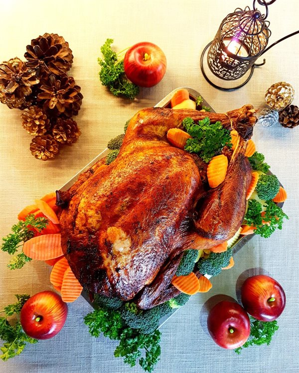 ROSEMARY ROASTED TURKEY WITH CHESTNUT(per Kg) BOOK 2 DAYS IN ADVANCE